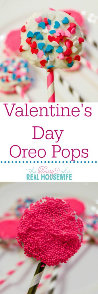 Valentines Day Oreo Pops. Easy treat for a party or gift idea.