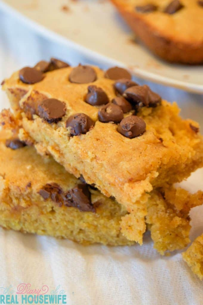 awesome-chocolate-chip-pumpkin-squares